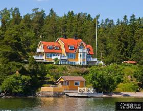 海边两层半别墅图片大全