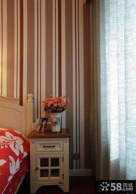 卧室条纹墙纸效果图