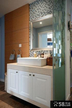 美式简约设计洗手间装饰效果图