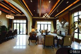 小型别墅客厅木质吊顶装修效果图