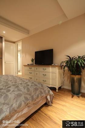 现代美式卧室电视机背景墙效果图