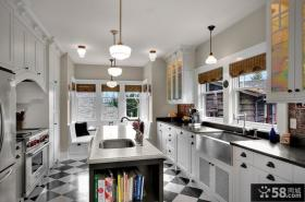 美式乡村风格别墅装修厨房整体橱柜装修效果图