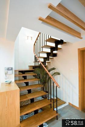 室内旋转楼梯装修设计效果图