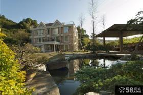 四层半欧式别墅外观设计效果图