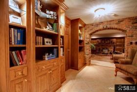 暖色系美式风格书房装修效果图