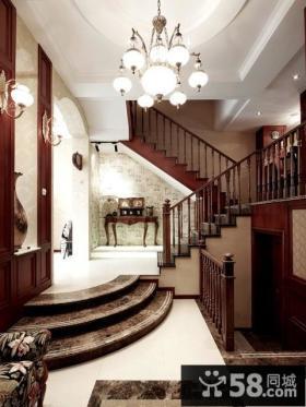 美式别墅楼梯设计效果图片