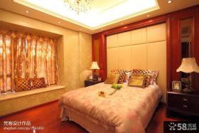 现代美式卧室飘窗装修效果图