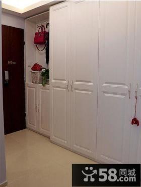 现代小户型家居玄关装饰效果图片