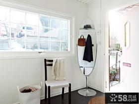 北欧风格二居进门玄关镜装饰效果图片