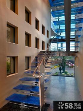 现代别墅铁质楼梯栏杆图片