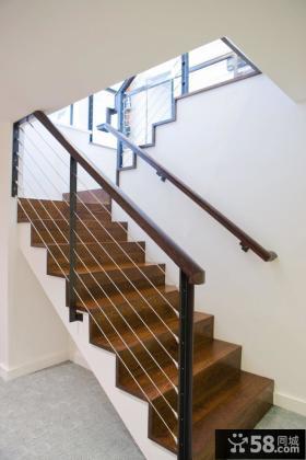 铁艺扶手实木楼梯装修