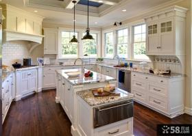 美式古典风格厨房整体橱柜装修效果图