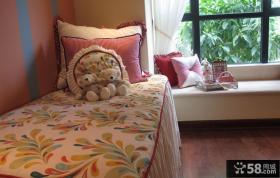 简单粉红卧室设计