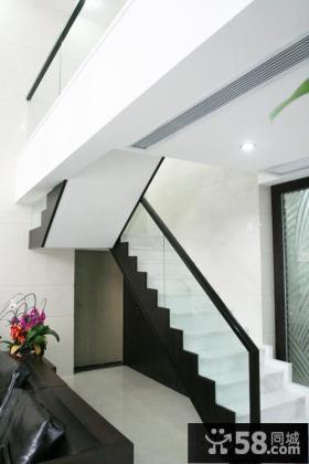 现代风格复式户型楼梯装修图