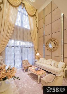 欧式别墅客厅墙上装饰效果图
