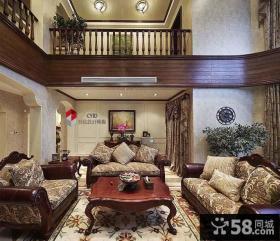 别墅挑高客厅沙发茶几摆放效果图
