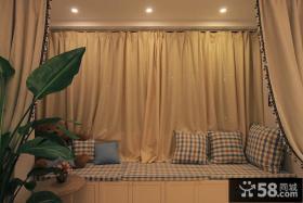美式风格客厅飘窗窗帘设计