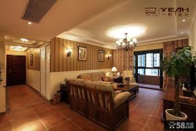 美式乡村客厅吊顶碎花窗帘装修效果图