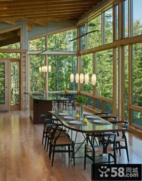 家庭设计复式餐厅窗户