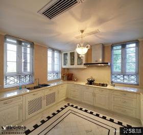 2013U型整体厨房白色橱柜装修效果图