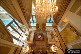 别墅挑高客厅家具摆放效果图