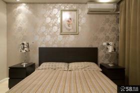80平米小户型卧室床头壁纸装饰设计