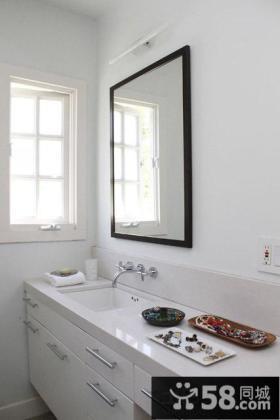 极简主义风格卫生间图片