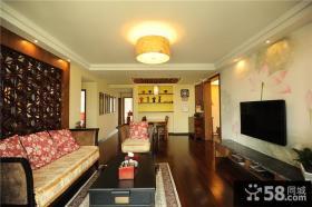美式古典小客厅电视背景墙欣赏