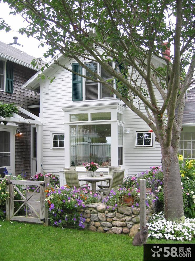 别墅花园阳台装修效果图
