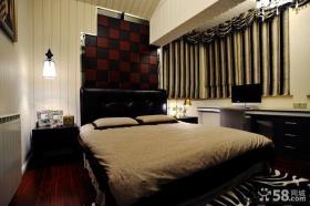 现代风格带飘窗的卧室装修设计