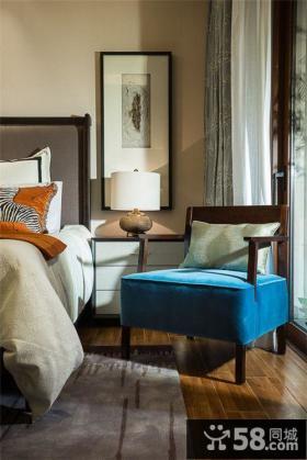 美式家庭设计卧室窗帘床头灯具图片