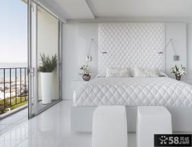 白色卧室带阳台装修效果图