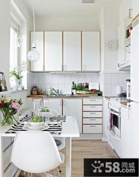 白色整体实木橱柜设计