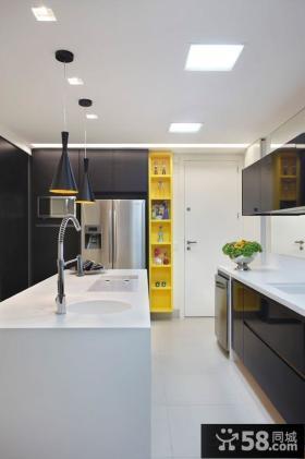 现代传统风格厨房图片