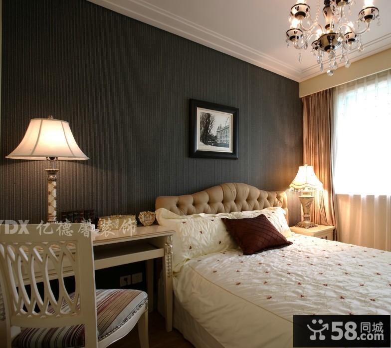 欧式卧室床头背景墙挂画效果图