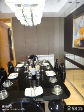 现代简约风格家庭餐厅吊顶效果图