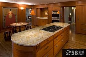 美式风格一体式厨房装修图
