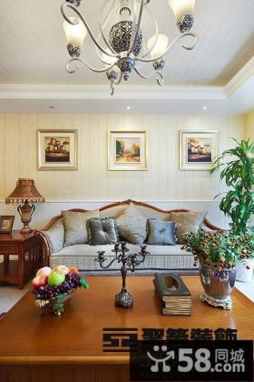 现代美式风格客厅挂画效果图
