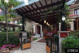 现代别墅阳台花园装修图片