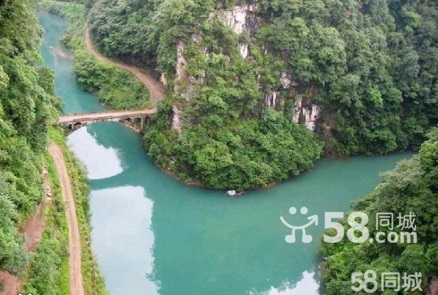 海拔2025米的玉灵山风景区也是南宝山内的景点
