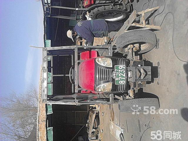 专业制作拖拉机驾驶室 高清图片