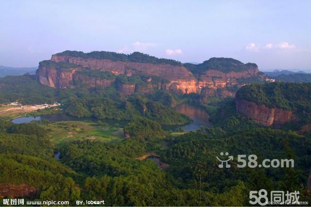 韶关丹霞山景区锦江徒步,登最高峰巴寨户外二天游