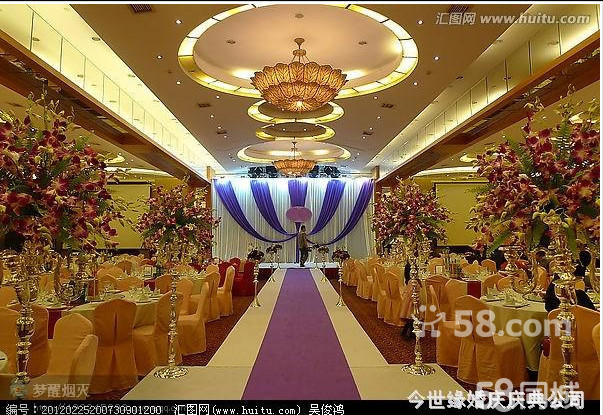 i. 红地毯或黄金大道(婚礼现场内部使用)  j. 精美 欧式烛台一座.