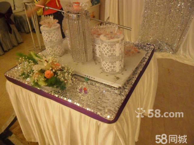 新人迎宾个性照设计一张 9,高档纯白色冰绸桌围3套(用于香槟塔,许愿桌