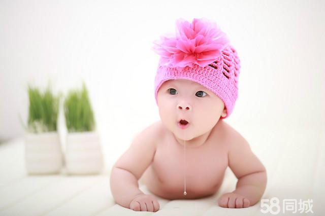 星光贝贝,中国十大儿童摄影品牌,是一家集精湛的拍摄技术、强大的后期制作于一体的集团化国际连锁化儿童摄影机构。星光贝贝连锁店遍布全国30个省,200余个城市,400余家门店,且每月门店以十几家速度不断递增,星光贝贝被业内称为中国儿童摄影行业的连锁航母。 2010年4月中国童星(奥运女孩)林妙可签约为星光贝贝**品牌代言人。2011年初,星光贝贝品牌宣传在中央1、2、3套同步播出,从而成为中国儿童摄影行业明星代言品牌、央视上榜品牌。大品牌,值得信赖。2012年星光贝贝儿童摄影强力进驻东莞市,选址位于东莞东莞大